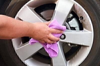 Finding the Right Car Detailer image
