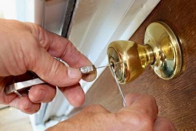 How to Pick a Good Locksmith image